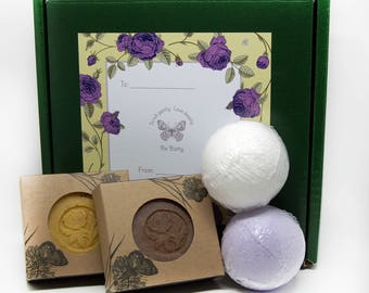 Soaps and Bath Bombs Holiday Gift Pack
