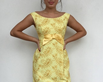 Adorable 60s lemon embroidered party dress