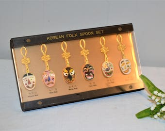 Korean Folk Spoon Set Six in Display