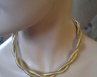 70s gold tone Monet twisted chain choker style necklace