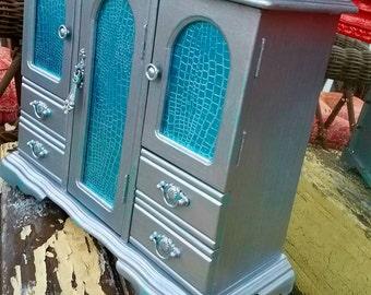 Beautiful Blue Alligator Metallic Silver Jewelry Box