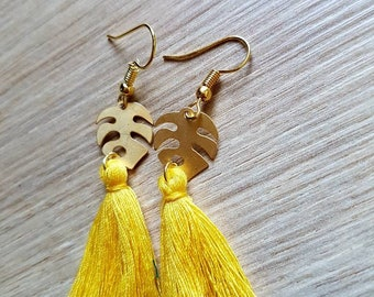 Very pretty gold and yellow earrings