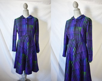 Vintage 70s Purple Mini Floral Dress Long Sleeved Day Dress Casual Hippie Wedding Guest Dress Gogo Mod Groovy Dress Cocktail Party Dress