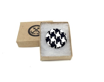 Black and White Houndstooth Lapel Pin, Magnetic Houndstooth Lapel Pin, Houndstooth Brooch, Alabama Lapel Pin, Wedding Boutonniere, Roll Tide