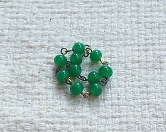 SALE - Vintage Japanese Green Glass Beads and Wire - 5 mm - Set of 14