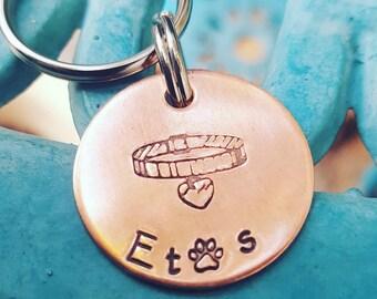 Kragen, Schlüsselanhänger, Kupfer Schlüsselanhänger, Katze Denkmal Schlüsselanhänger, handgestempelt Denkmal Schlüsselanhänger, personalisierte Schlüsselanhänger Hund Denkmal Schlüsselanhänger
