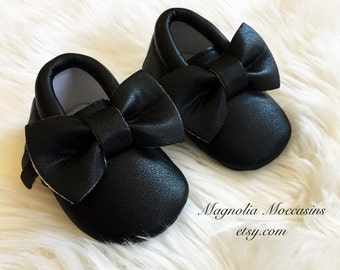 Black moccasins, Handmade Vegan Leather Black Baby Girl Moccasins, Faux Leather, Soft Sole Shoes, Bow Moccasins, Black Bow Moccs