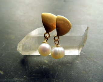 Earring, earrings, sterling silver, gold plated, freshwater pearl, jewelry, white