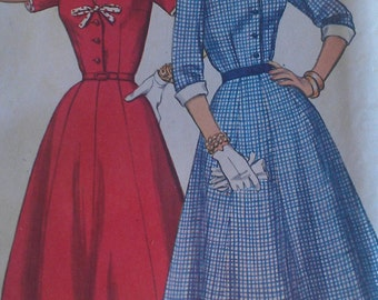 Vintage 50s Pointed Notch Collar Bow Trim Shirtwaist Dress Full Gored Skirt Slenderette Sewing Pattern 3182 B35