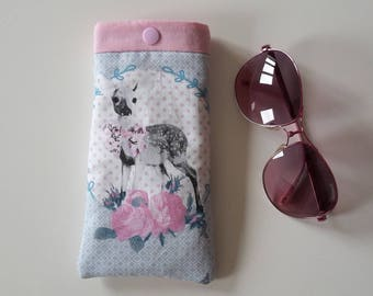 Case bezel two-ply storage pouch