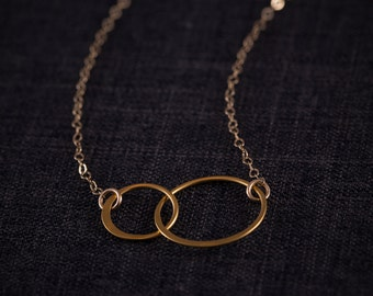 Two SISTERS  Circles Necklace , Interlocking Circles,   24 Gold plated ,   Two sisters  ETERNITY, gift for sisters, Frendship Gift