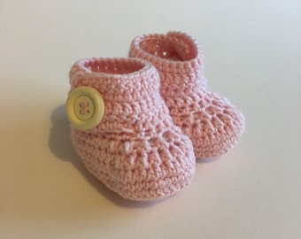 Pink baby booties, baby shoes, crochet baby shoes, crib shoes, baby, crochet baby booties, baby slippers, crochet