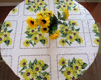 1950s Wilendur Tablecloth - Big Yellow Sunflowers - Vintage Table Linens - Spring Summer - Collectible