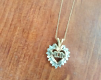 """10 K Yellow Gold Heart Shaped """"MOM""""  Pendant  and Gold Necklace, Inv.#247"""