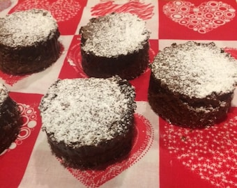 Old Fashioned Great Grandma's Brownie Cakes