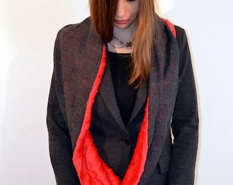 snood grey and red