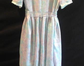 Girls satiny dress