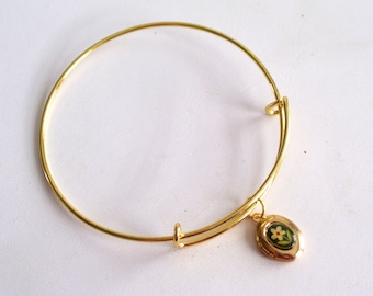 Gold Locket Bracelet, Locket Bangle Bracelet, Floral Locket Charm, Vintage Oval Mini Locket, Gift for Her, Minimalist Bangle