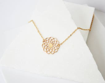 Flower Necklace, Simple necklace, Gold necklace, Dainty necklace, Dainty necklace gold, Delicate Gold Necklace, Layering Necklace,