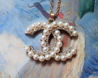 Classy Pearl Crystal Necklace  My FaV!