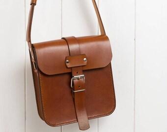 Leather Messenger Bag, Small Messenger Bag, Crossbody Bag, Leather Cross Body Bag, Possibles Bag, Vintage Style Bag, Festival Bag