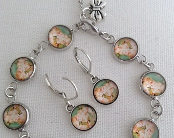 Beautiful Vintage Style Pink Cottage Roses Glass Cabochon Bright Silver Tone Bracelet And Earrings Set