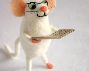 Felt mouse, Mouse stuffed, Woodland plush, Animal plush, Stuffed toy, Miniature mouse, Collectible figure