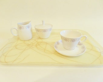 Set of 2 Mid Century Fiberglass Trays with Spaghetti String Design - Off White with Gold Color Swirls