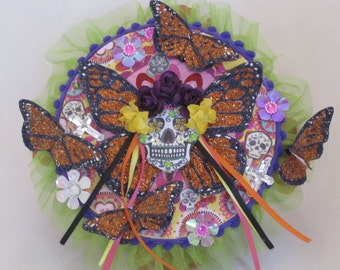 Dia De La Morte, Day of the Dead Mache Trinket Box.