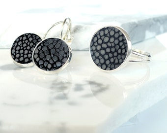 Jewelry set: ring and earrings with black stingray leather, gift for her, Valentine's, Mother' Day, birthday gift
