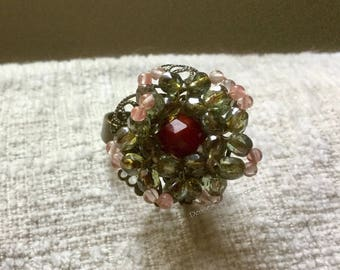 Whimsical 3D, Moving Beaded Daisy Ring by Denise's Creations