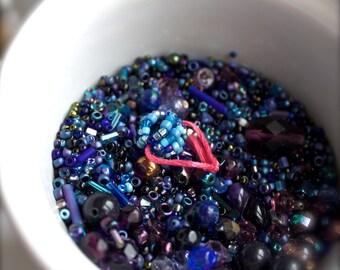 Blue destash Bead Mix #27 - 100 grams - purple, beaded bead