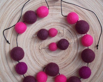Feltybubbly 1 - necklace and earrings made of felt beads, adjustable length and movable beads