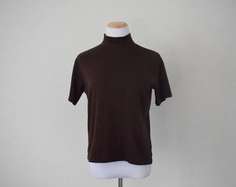 FREE usa SHIPPING classic vintage mock neck blouse/ short sleeves/ chocolate brown/ cotton polyester/ boxy baggy fit/ Bobbie Brooks/ size M