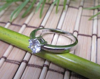 Sterling Silber Ring Zirkonia Stein Größe 8 runden flachen Stein prickelnde glänzend 925 klassischen Schmuck Jahrgang kostenloser Versand (739)