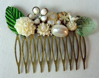 Creamy Ivory Wedding Hair Comb. Vintage Assemblage