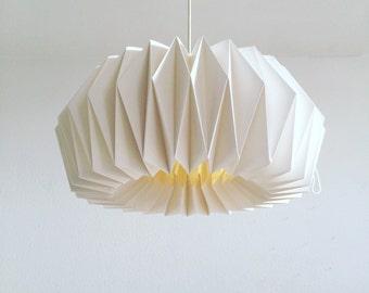 ZÜRICH Origami Lampenschirm  aus Papier   Regulierbare handgefaltete Lampe   Weiße Deckenlampe Wohnzimmer   Handmade im skandinavischen Stil