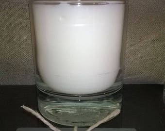 HONEYSUCKLE candle with extracts of perfume weight 170g net
