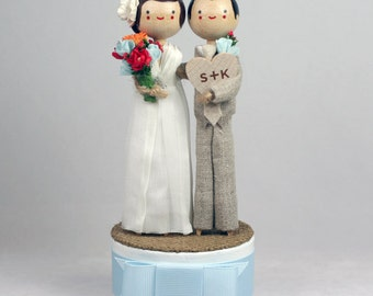 Custom Wedding Cake Topper with 1x CUSTOM CLOTHING and 1x HEART