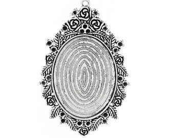 A medium Sterling Silver for 30 x 40 mm cameo or cabochon.