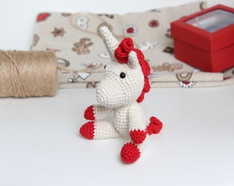 Unicorn toy, softie amigurumi unicorn, softie unicorn, crochet unicorn, stuffed toy, unicorn, stuffed unicorn, unicorn rattle, unicorn gift
