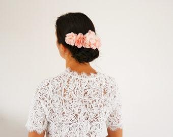 Peigne à cheveux fleurs corail mariage champêtre original, accessoire cheveux mariage fleurs corail demoiselle d'honneur