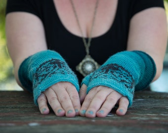 Knit Fingerless Gloves PATTERN, Art Nouveau, Color design