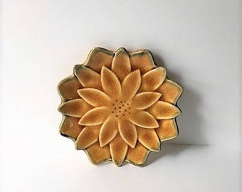 Flower Trinket Dish / Jewelry Dish / Made in Japan
