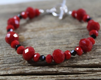 Bracelet with Sparkly Red Glass and Black Swarovski Crystal / Red Bracelet / Gifts for Her / Gifts for Women / Sparkly Jewelry / Sassy