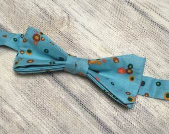 Ready tied bow tie in Bubble design