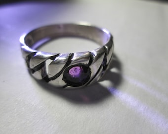 ring, size 13... Amethyst in sterling silver