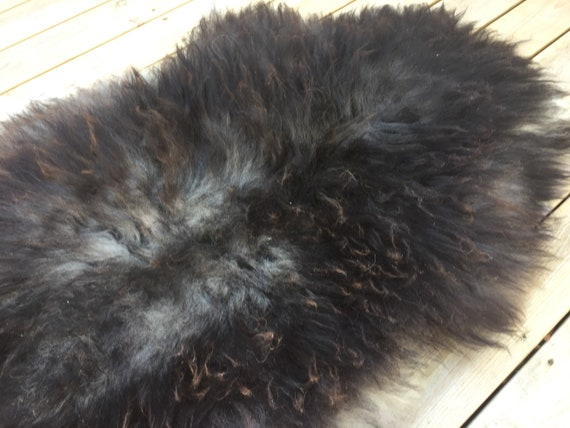 Real natural Sheepskin rug rugged throw from Norwegian norse breed medium locke length sheep skin dark brown grey 18082