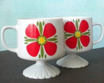 Vintage Flower Pedestal Mug set