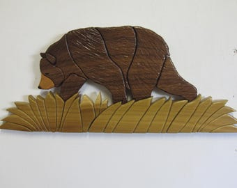 Intarsia walking bear